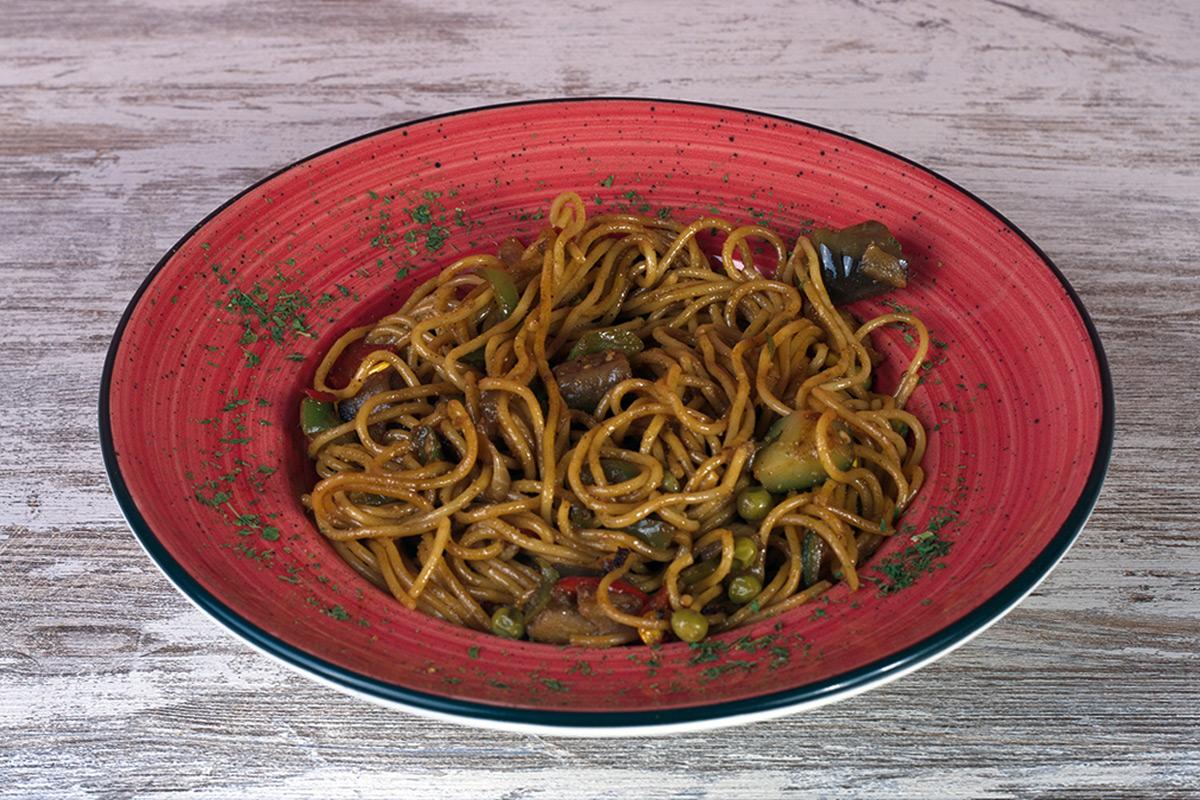 Café del Tíbet Zaragoza. Chow mein con verduritas.